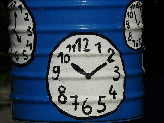 clock-58858_640